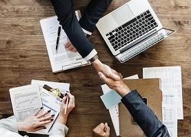 Prestiti tra privati: come funzionano e chi li offre